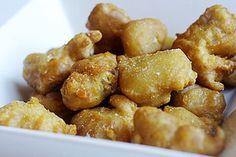 De Chinese keuken kent veel gerechten met de traditionele zoetzure saus. Bij ons in het Westen zijn deze gerechten meestal erg populair en kom je ze vaak tegen op de menukaart van Chinese restaurants. Hieronder volgt een recept voor het populaire ku lo...