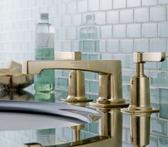 #DailyProductPick Watermark Designs' H-Line faucet features a bowed-out square shape that softens the classic contemporary design. #design #interiordesign #interiordesignmagazine #fixtures @watermarkbk