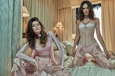 Ale Ambrosio e Isa Fontana vestem o inverno da Balmain na Vogue de outubro