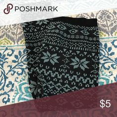 Leggings One size. Would say they fit an XXS/XS best. Worn once or twice. Pants Leggings