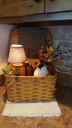 Fall Home Decor, Autumn Home, Diy Home Decor, Room Decor, Rustic Farmhouse Decor, Country Decor, Rustic Decor, Basket Decoration, Table Decorations