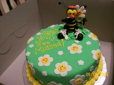 """You Will """"bee"""" Missed A fondant girlie bee eating a daisy. Fondant Cake Tutorial, Fondant Cakes, Going Away Cakes, Cake Decorating, Daisy, Bee, Presents, Desserts, Food"""