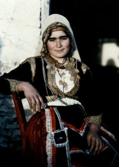A woman poses in the national costume of Crete Images by Maynard Owen Williams / Wilhelm Tobien Source: National Geographic Stock Greek Traditional Dress, Traditional Outfits, Traditional German Clothing, Traditional Fashion, National Geographic, Creta, Celtic, Folk Costume, Female Poses