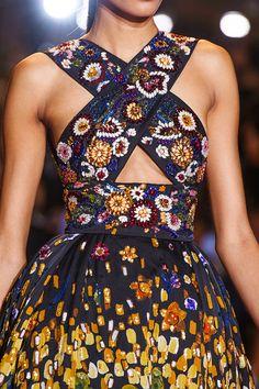 Catwalk photos and all the looks from Dolce & Gabbana - Alta Moda Autumn/Winter Couture Paris Fashion Week World Of Fashion, High Fashion, Fashion Show, Fashion Outfits, Fashion Design, Fashion Tips, Fashion Goth, Feminine Fashion, Paris Fashion