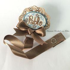 www.artesaniabordadoconfieltro.com: Chupeteros bordados y personalizados realizados en fieltro