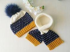 Knitting For Kids, Crochet For Kids, Crochet Baby, Baby Cardigan Knitting Pattern, Sweater Knitting Patterns, Baby Set, Kids Winter Hats, Boys Sweaters, Baby Booties