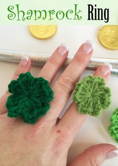 Shamrock Ring - new #freepattern to crochet for St. Patrick's Day  (so quick and easy!)