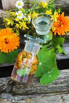 Sole Tinkturen mit Kapuzinerkresse und Basilikum