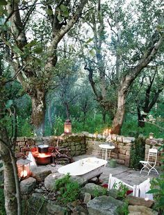 This outdoor bath among the poplars is sheltered and private, watched only by the occasional owl in the trees.