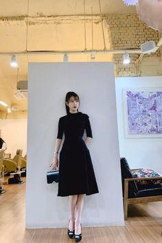 Hotel Del Luna, IU as Jang ManWol, Yeo JinGoo as Gun ChanSeong. Beutiful outfits both of them. Luna Fashion, Kpop Fashion, Womens Fashion, Korean Fashion Dress, Fashion Dresses, Kpop Outfits, Mode Vintage, Asian Style, Classy Outfits