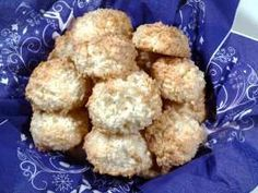 Kokosmakroner Krispie Treats, Rice Krispies, Cookie Recipes, Cauliflower, Cookies, Baking, Vegetables, Ethnic Recipes, Desserts