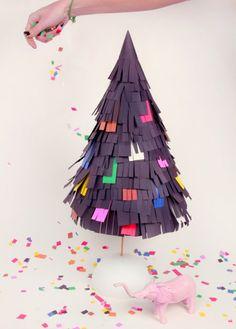 DIY: Pinata Tree - I like that you get to smash it for Christmas :) Diy Christmas Tree, Xmas Tree, All Things Christmas, Christmas Holidays, Christmas Decorations, Happy Holidays, Chinese Christmas, Holiday Tree, Christmas Paper