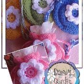 Flower Gift Bag - via @Craftsy