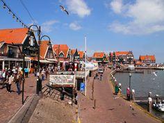 Ben jij wel eens in Volendam en de Zaanse Schans geweest? Ja, het is toeristisch maar wel het bezoeken waard! Hier vind je foto's en tips voor een bezoekje!