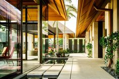 Mark de Reus | Kauhale Kai tropical modernism