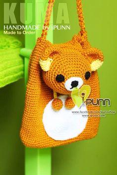 กระเป๋าไอปัน Crochet Backpack, Crochet Pouch, Crochet Purses, Diy Crochet, Crochet Toys, Crochet Baby, Mochila Crochet, Rilakkuma, Kids Backpacks