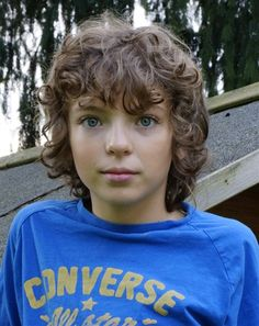 Author Diana Gabaldon confirmed this morning that Outlander has found its young Fergus in Romann Berrux. Romann is 13 years old and has been in French TV and a film since 2006. Diana: Meet Romann Berrux, who in addition to having a fascinating collection of consonants in his name, is also playing Wee Fergus! Fergus is found by Jamie in a house of ill repute in Paris. He is the son of a prostitute and he is taken into service by Jamie, and, of course, he speaks French.
