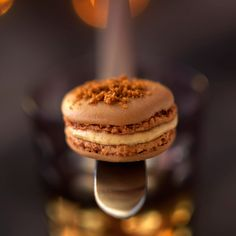 Macaroons with foie gras and gingerbread - Something sweet - noel Macarons, Macaron Foie Gras, Tapas, Fingerfood Party, Food Now, Party Finger Foods, Sweet Cookies, Christmas Appetizers, Savoury Cake
