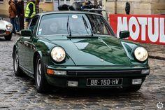 #Porsche #911 à #LaNocturne à #Versailles Reportage complet : http://newsdanciennes.com/2016/01/25/grand-format-la-nocturne-2016/ #Voiture #Ancienne #Vintage #VintageCar