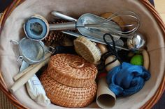 treasure baskets are the best items for the Montessori baby