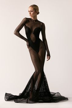 [[MORE]] Michael Costello Fall/Winter 2016 Collection Source Fashion Model Poses, Fashion Photography Poses, High Fashion, Fashion Show, Fashion Design, Fashion Beauty, Michael Costello, Net Gowns, Designer Gowns