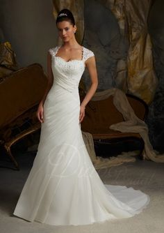 Fit-and-flared Straps Organza Court Train Wedding Dress