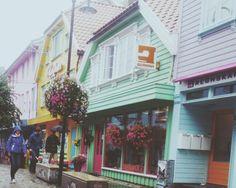 Besøk Den fargerike gaten mens du er her i stavanger! #regionstavanger #norway #stavanger