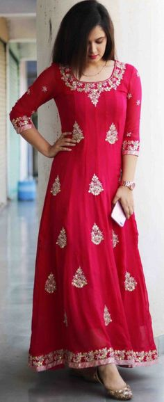 Ideas For Dress Lace Floral Gowns Trendy Dresses, Casual Dresses, Floral Gown, Indian Attire, Indian Wear, Indian Designer Wear, Indian Fashion, 50 Fashion, Fashion Dresses