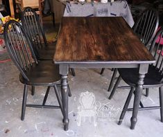 How to stain over chalk painted surfaced.black chalk painted table set by Vintage Charm Restored. Chalk Paint Table, Chalk Paint Furniture, Furniture Projects, Kitchen Furniture, Furniture Makeover, Diy Furniture, Furniture Stores, Furniture Direct, Furniture Dolly