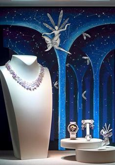 Van Cleef & Arpels Boutique Display in Milan