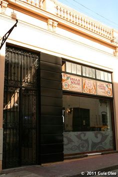 Pasaje Solar es un Restaurante de cocina Variada en Ciudad de Buenos Aires. Encontralo en Guía Oleo, la comunidad gastronómica #1 de Argentina.