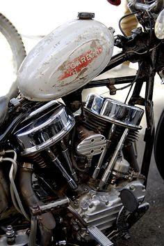 Panhead custom with vintage white peanut tank