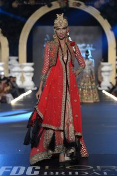 Now that's a headpiece - Ali Xeeshan Pakistan Bridal Week 2013