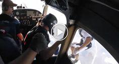 Paraquedista Perde Sapato Durante Salto Mas Recupera-o De Forma Incrível http://www.funco.biz/paraquedista-perde-sapato-salto-recupera-forma-incrivel/