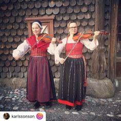 Naamiaispuvut, Tanssijat, Kulttuuri, Kirjonta