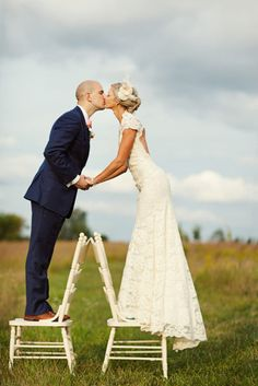 Leave wedding responsibilities to wedding planners!  http://www.weddingthingz.com/1/post/2013/08/leave-all-wedding-accountabilities-to-wedding-planners.html