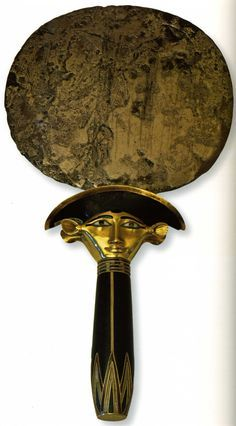 Miroir de Sathahor-Iounit, argent, or, obsidiennes. XIIe dynastie.
