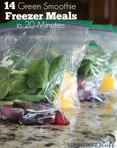14 Green Smoothie Freezer Meals in 20 Minutes (recipes) Healthy Food Habits, Healthy Drinks, Healthy Snacks, Healthy Eating, Healthy Breakfasts, Breakfast Smoothies, Smoothie Drinks, Smoothie Recipes, Paleo Breakfast