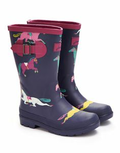 Joules JNR GIRLS WELLY Girls Printed Welly, Navy Pony Print. Wellies that make wet weather amazing! Kit out your little ones and get them outside at the first sound of �pitter patter�. Paired with our Welly Socks there�s no better way to make a splash.