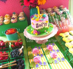 What a beautiful garden themed dessert table #garden #birthday #flowers #cake