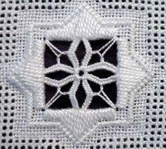 Site met veel steken en wat gratis patronen. 2012 Advanced Filling Stitches « Save the Stitches!