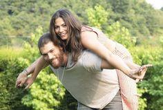Demet Özdemir and Can Yaman in Erkenci Kus Movie Couples, Cute Couples, Pose, Drama, Perfect Boyfriend, Beach Gardens, Perfect Relationship, Early Bird, Turkish Actors