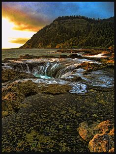 Thor's Well at Sunset. This collapsed sea cave is located along the Oregon Coast just outside the town of Yachats. Oregon Vacation, Oregon Road Trip, Oregon Travel, Places Around The World, Oh The Places You'll Go, Places To Visit, Around The Worlds, Oregon Coast, Oregon Usa