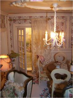 le salon Tiny World, Miniature Rooms, Doll Houses, Dollhouse Miniatures, Minis, Shabby Chic, French, Dolls, Painting