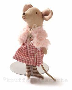 Cute mouse doll in winter outfit / Maileg http://www.knuffelsalacarte.nl/Maileg-muisje-winterkleding-p-16687.html