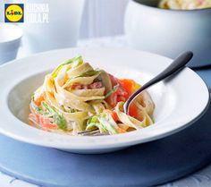 Makaron i szparagi w kremie z łososia. Kuchnia Lidla - Lidl Polska. #lidl #szparagi #makaron #losos