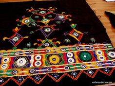 Indian embroidery. Basic Embroidery Stitches, Hand Work Embroidery, Embroidery Motifs, Indian Embroidery, Hand Embroidery Designs, Embroidery Dress, Baby Moccasin Pattern, Kutch Work Designs, Indian Textiles