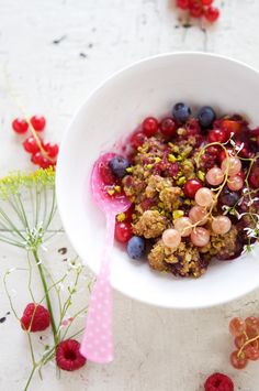 APRICOT, BERRY & CURRANT CRUMBLE [atartinegourmande]