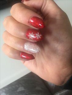 #nails #gel #red #white #Christmas #glitter #snow