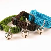 Crochet Kitty Cat Collar Pattern - via @Craftsy